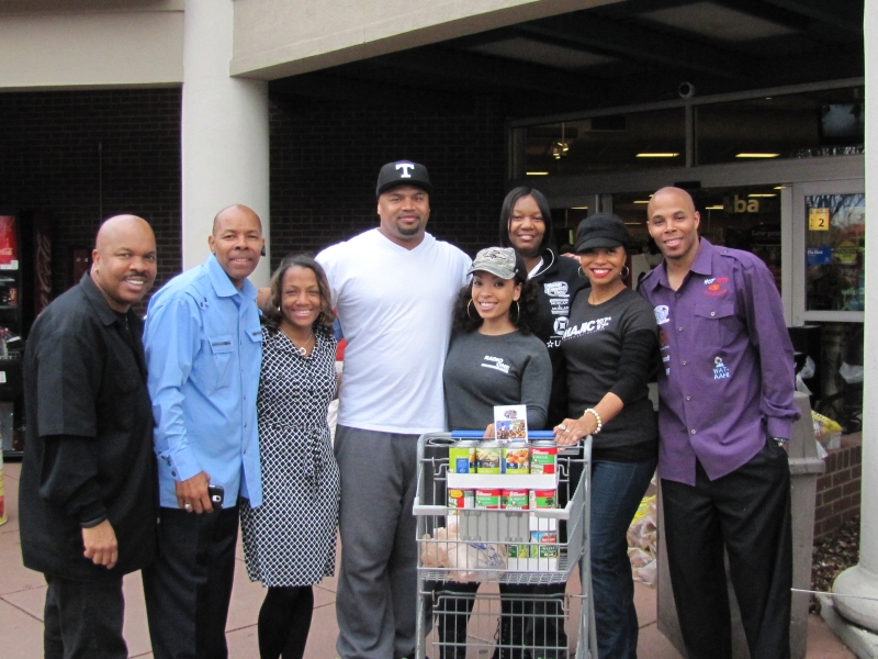 Radio One Food Drive for PAYUSA